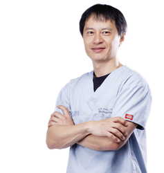 Emil Chynn, MD, MBA of Park Avenue LASEK Makes Ophthalmic History in Two Ways
