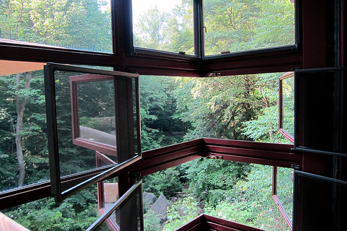 PA – Mill Run: Fallingwater – Dressing Space